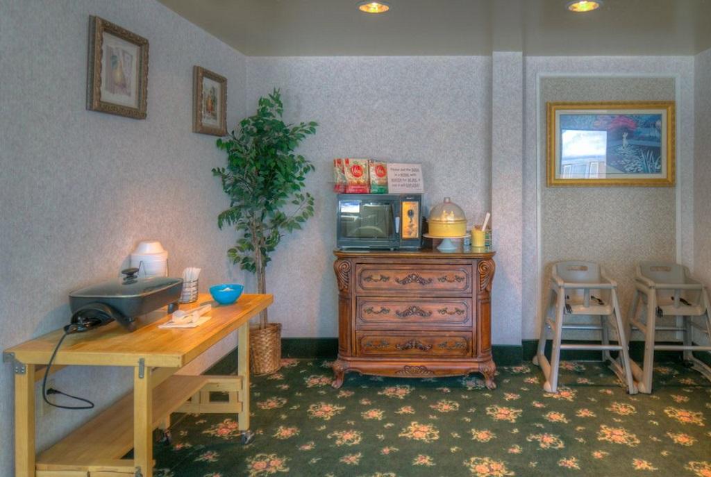 Hotel M Mount Pocono - Lobby-3