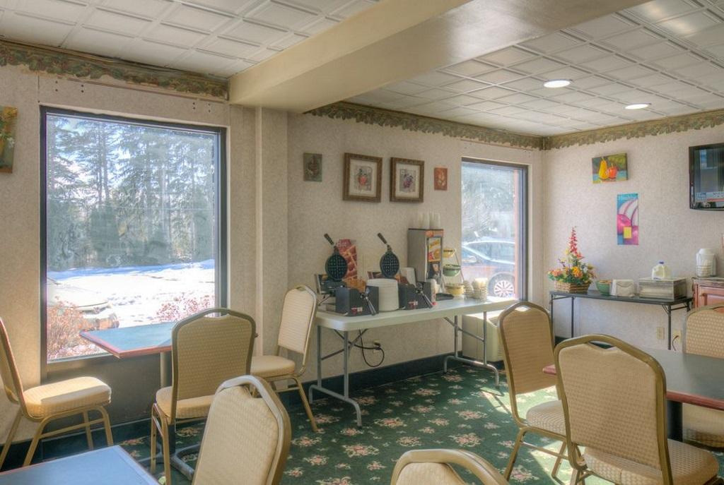 Hotel M Mount Pocono - Lobby-4
