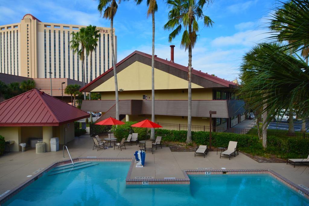 Midpointe Hotel Orlando - Pool-4