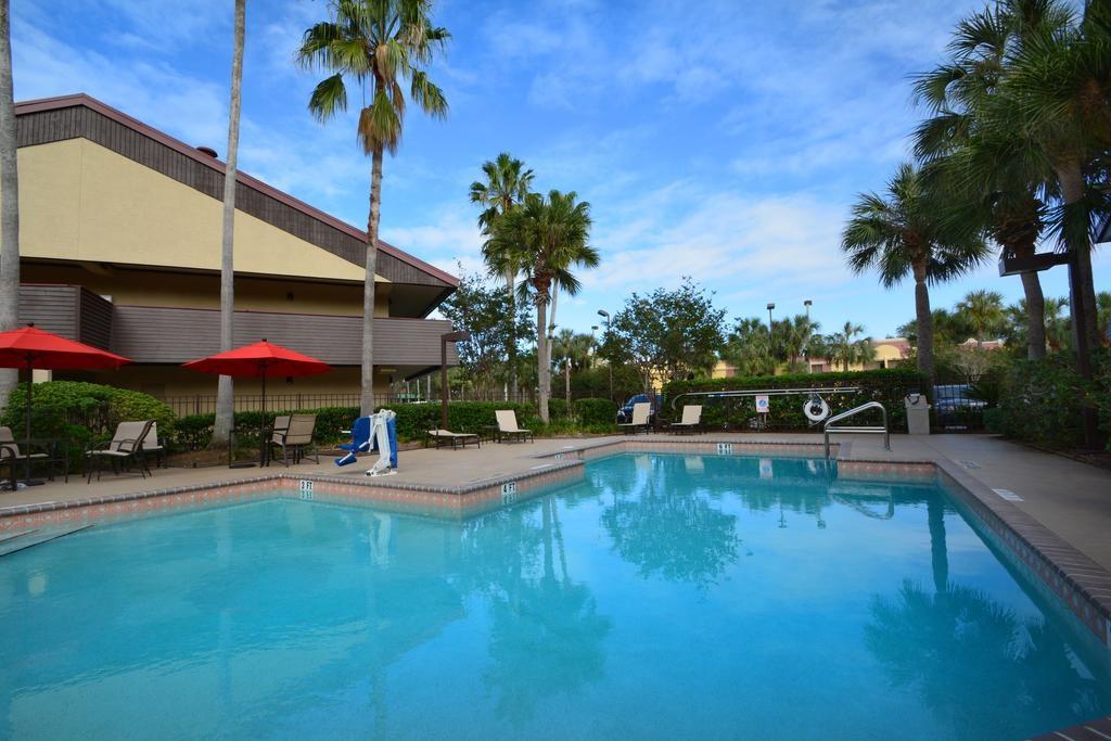 Midpointe Hotel Orlando - Pool-2