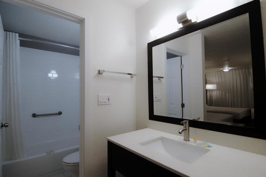 Hotel Monreale Express I-Drive - Room Bathroom-2