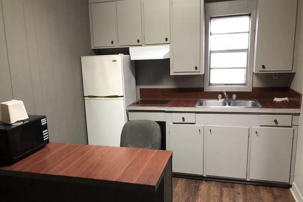 Morgan City Motel - Room Kitchen