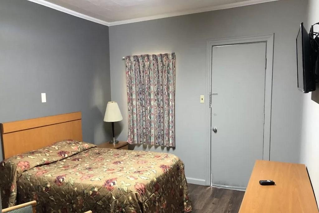 Morgan City Motel - Family Room