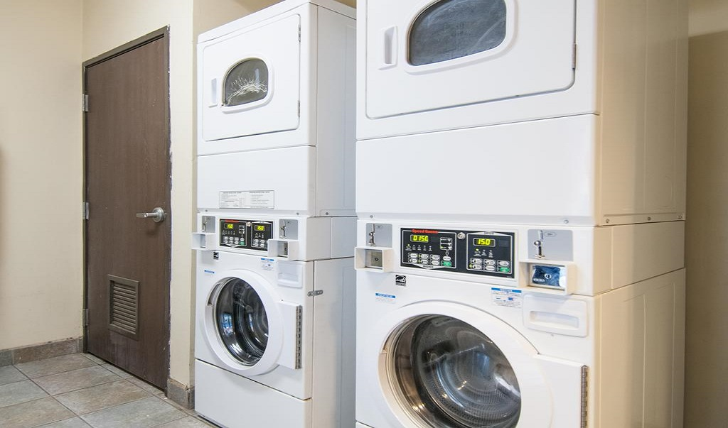 Navajoland Inn & Suites - Laundry Facility