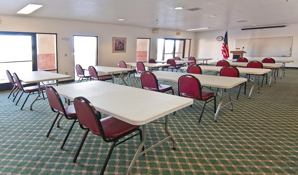 Navajoland Inn & Suites - Meeting Area-1