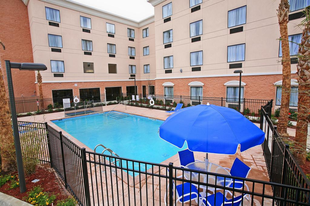 Holiday Inn Express Orlando-Ocoee East - Pool-3