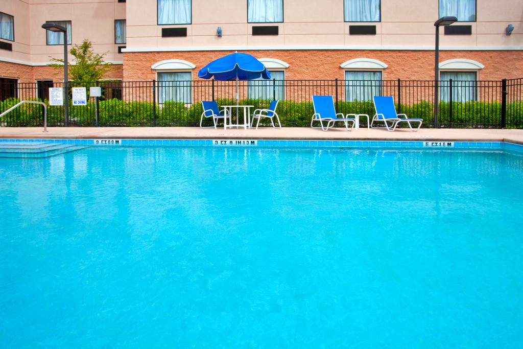 Holiday Inn Express Orlando-Ocoee East - Pool-1