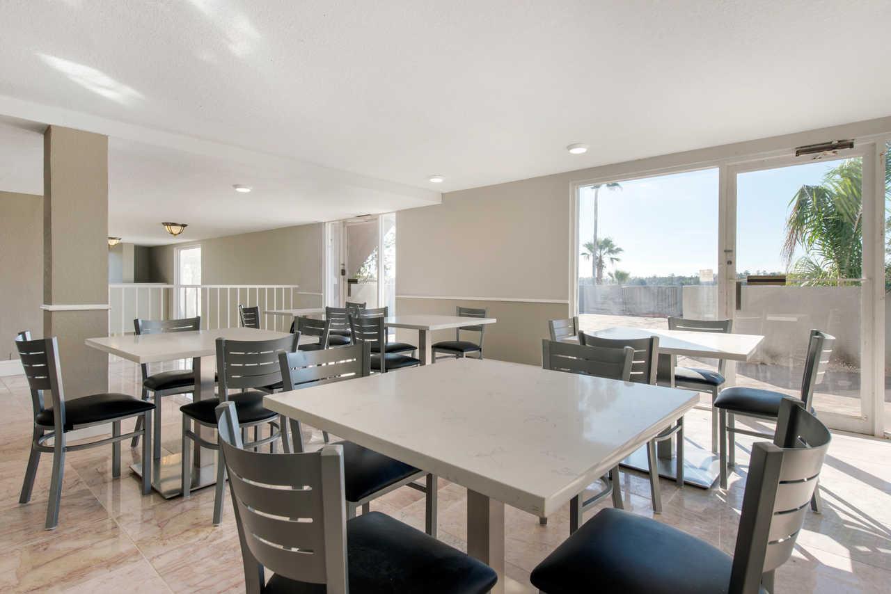 Palazzo Lakeside Hotel Kissimmee - Breakfast Area-1
