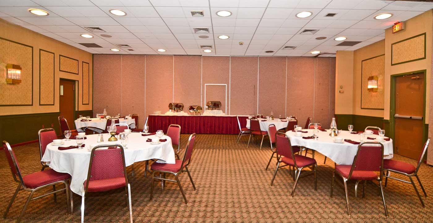 Pocono Resort - Dining Area-1