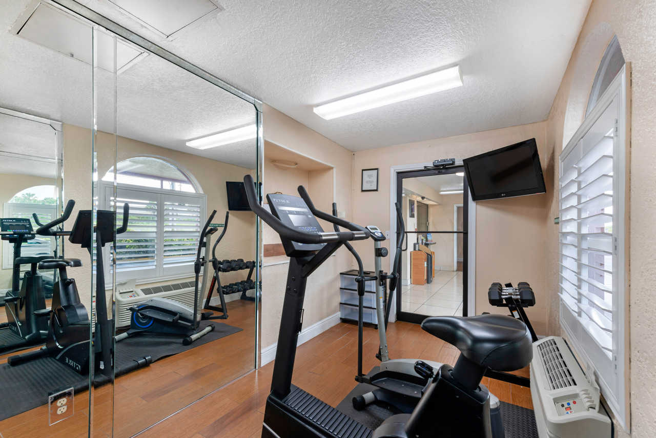 Quality Inn Orlando Airport - Fitness Facility-1