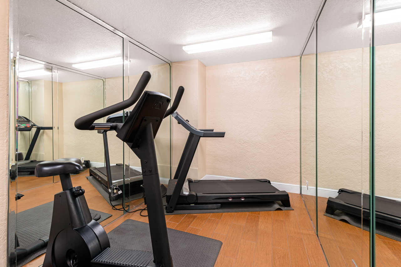 Quality Inn Orlando Airport - Fitness Facility-2