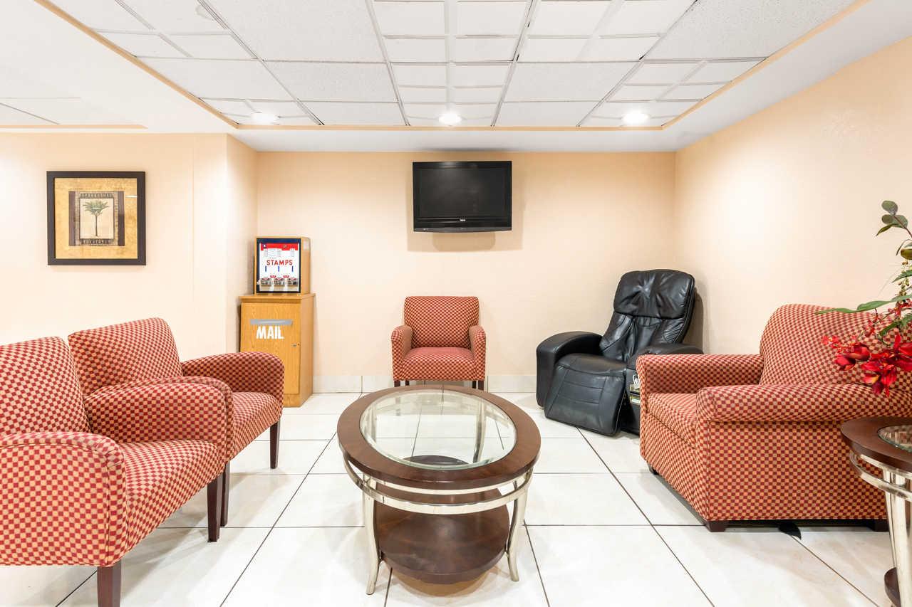 Quality Inn Orlando Airport - Lobby-3