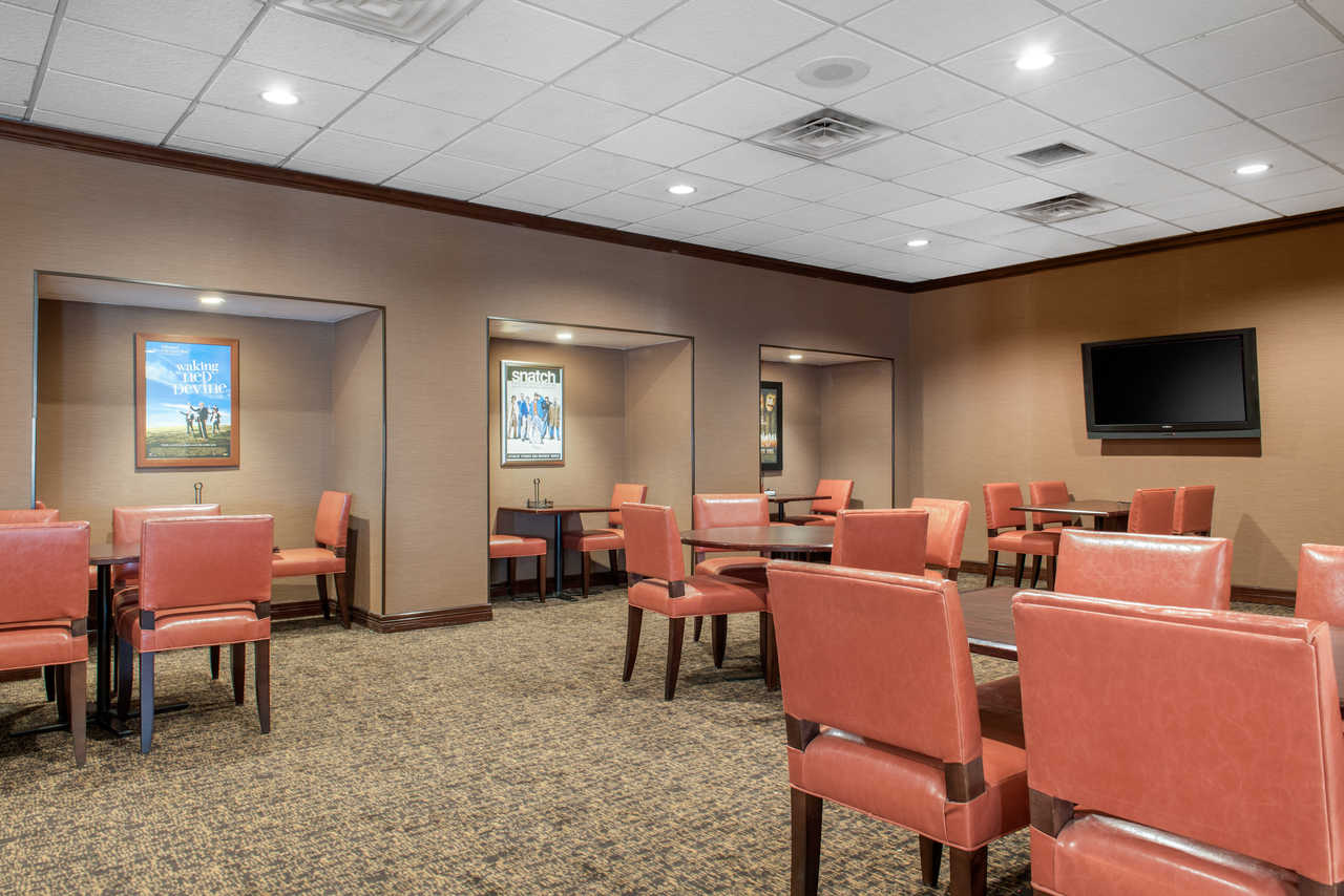 Quality Inn Airport Indianapolis - Breakfast Area-3