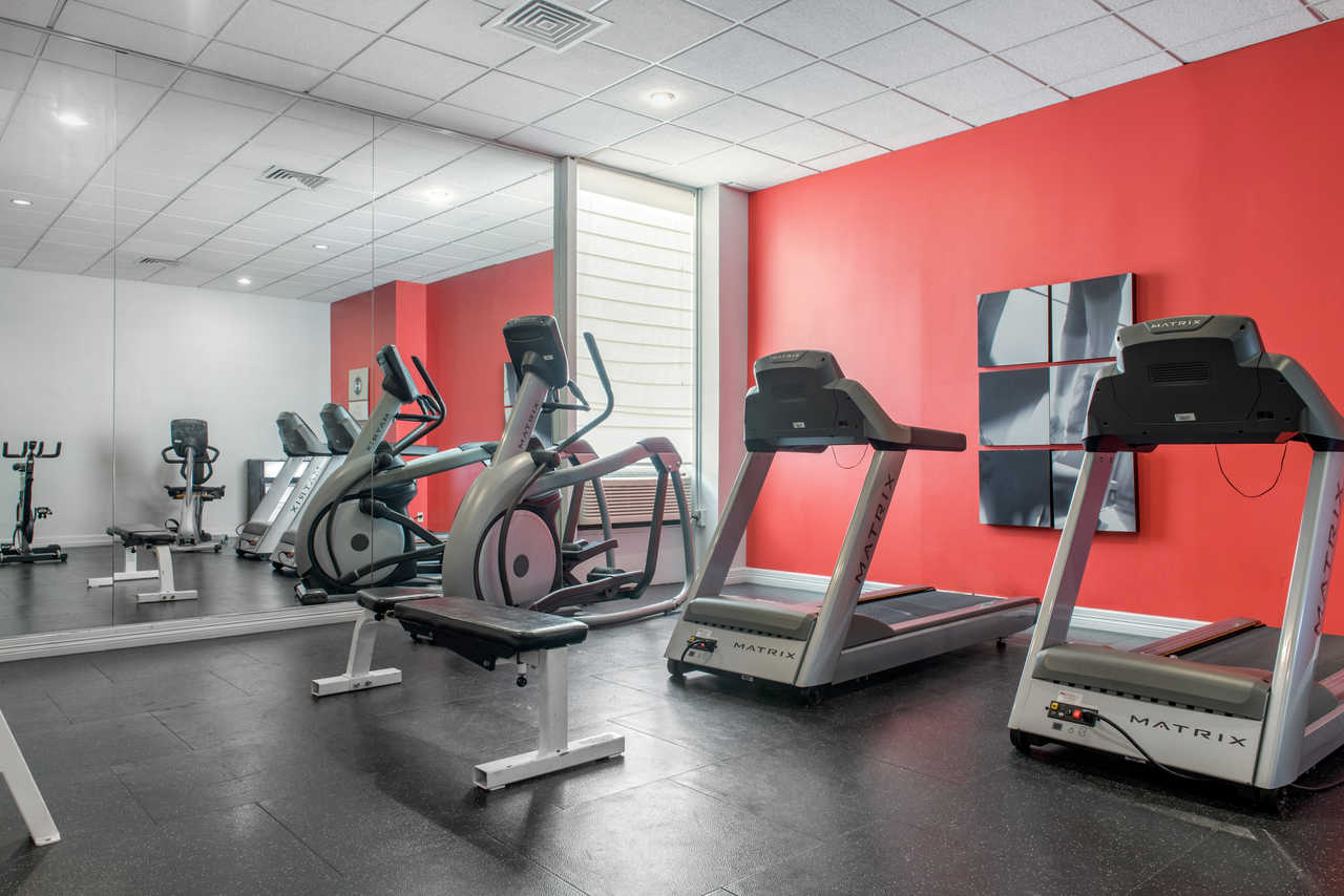Quality Inn Airport Indianapolis - Fitness Area