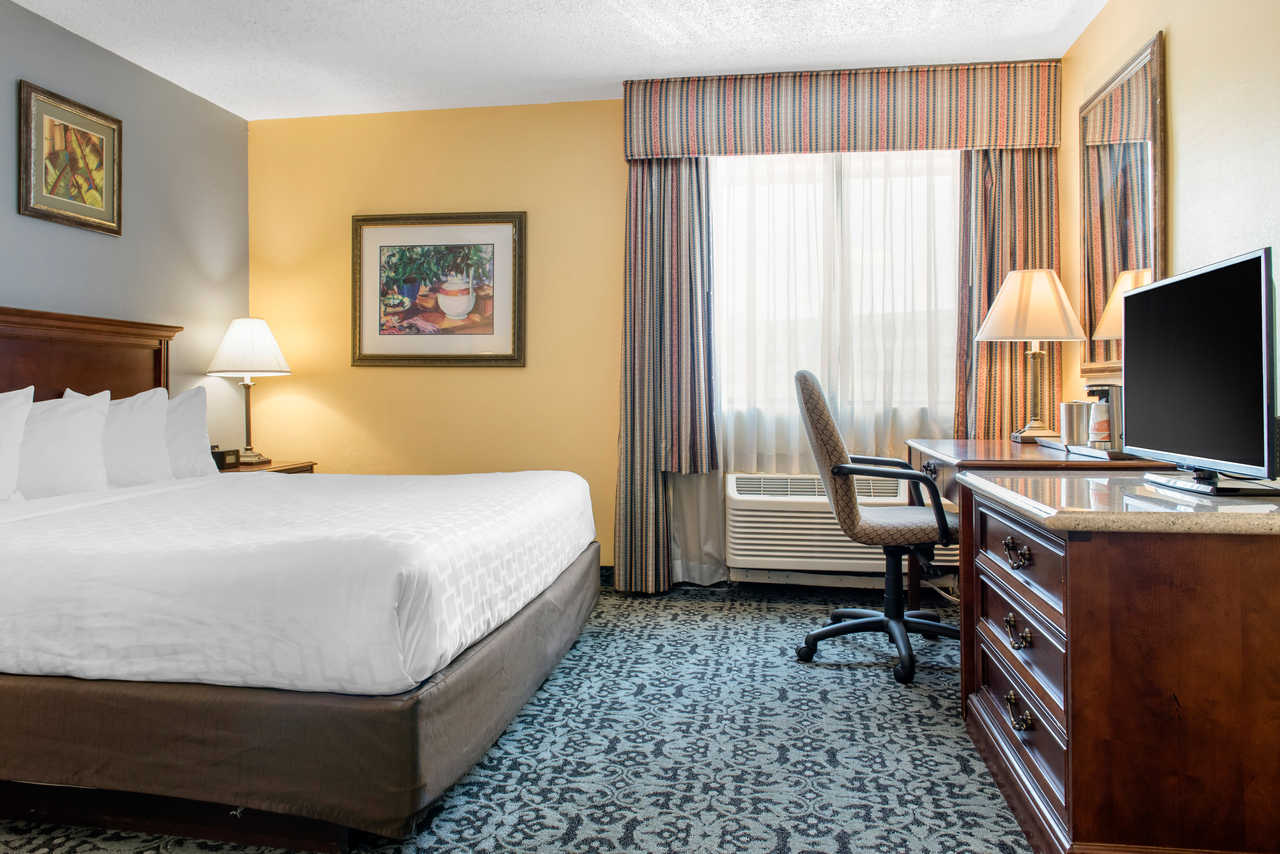 Quality Inn Airport Indianapolis - Single Room-2