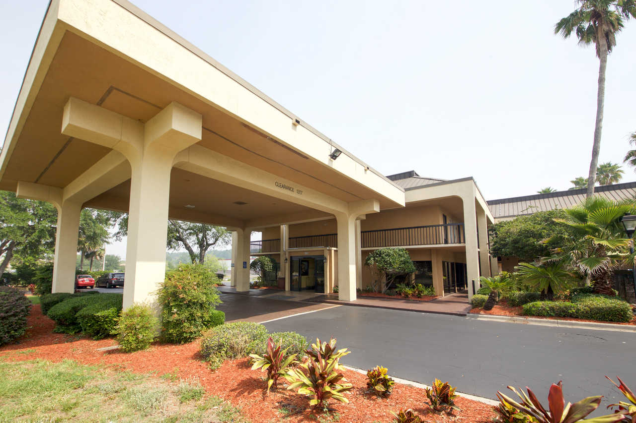 Quality Inn Jacksonville FL | Hotel near Jacksonville Maritime Museum