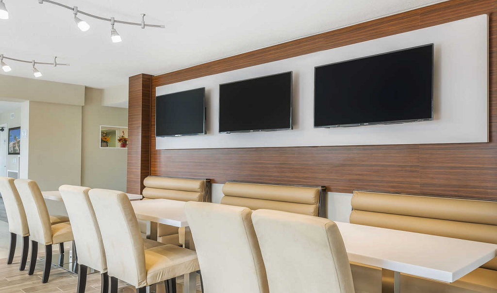 Quality Inn & Suites Kissimmee by The Lake - Breakfast Area
