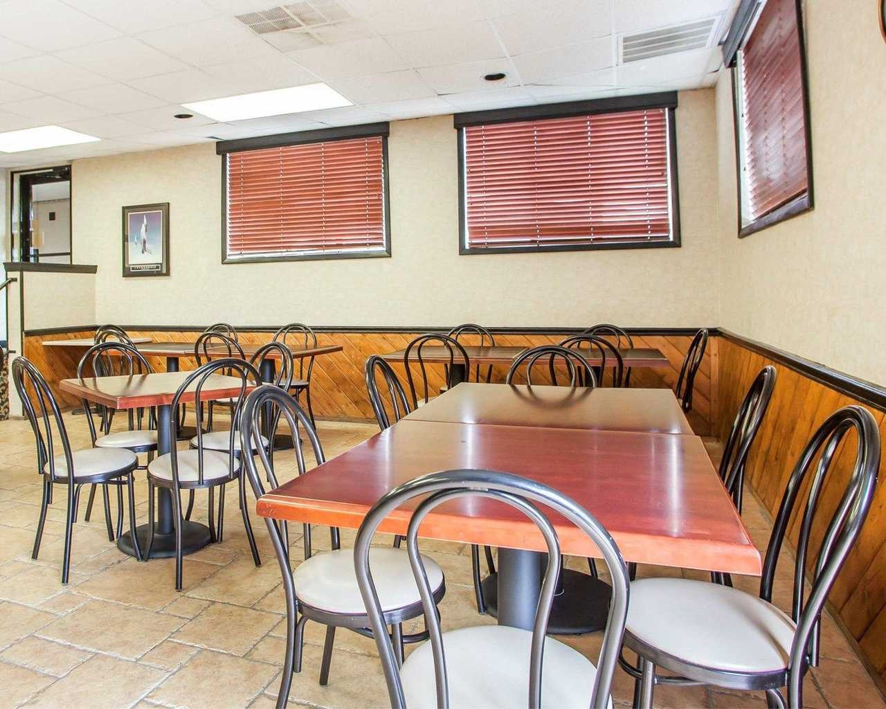Quality Inn McGuire AFB - Breakfast Area-4