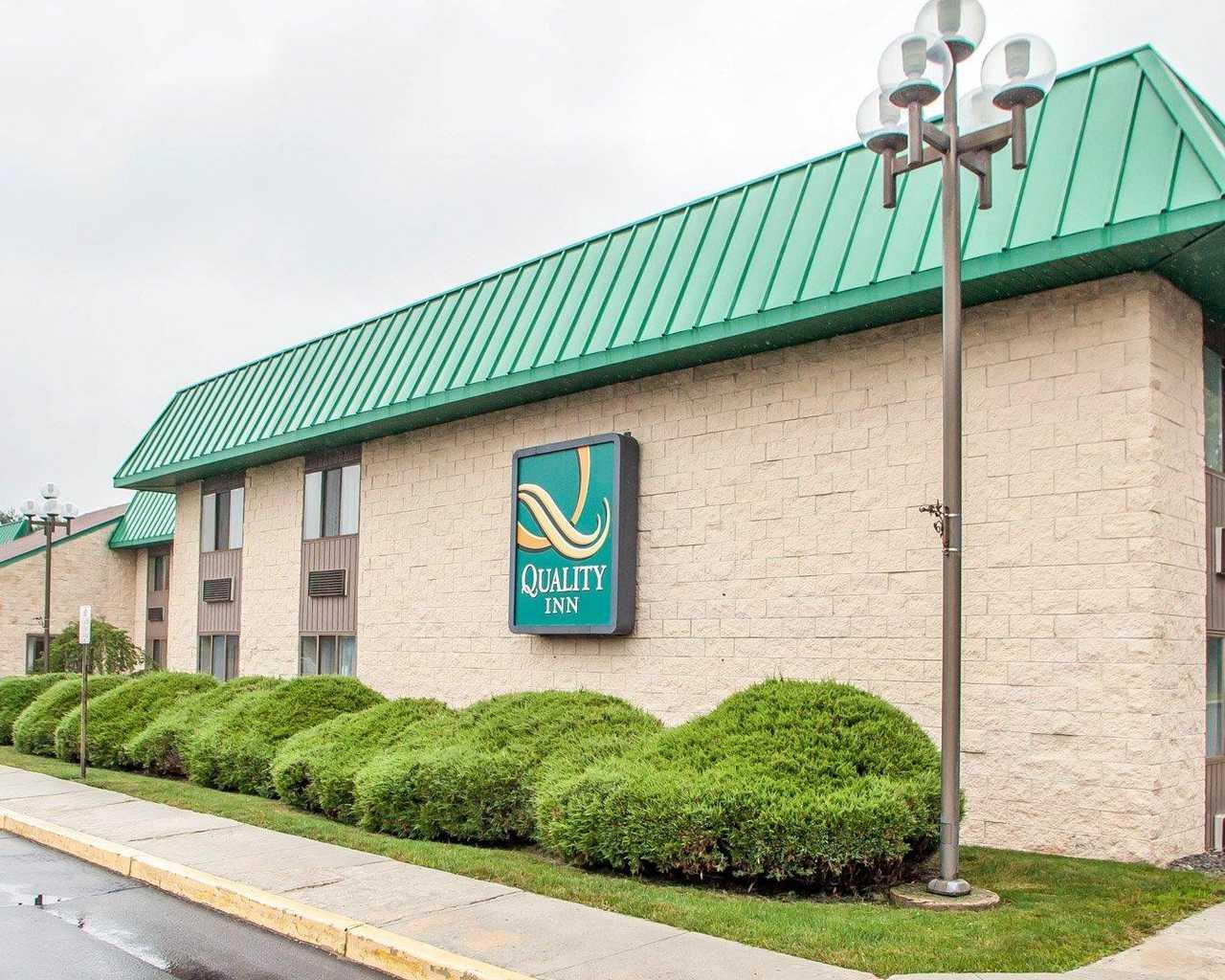 Quality Inn McGuire AFB - Exterior-1