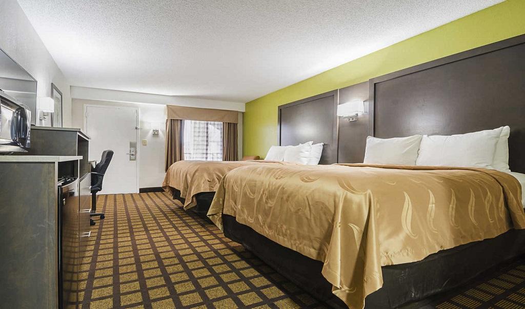 Quality Inn Raeford Double Beds 4