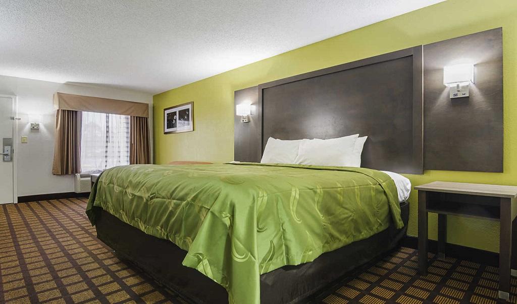 Quality Inn Raeford Single Bed 3