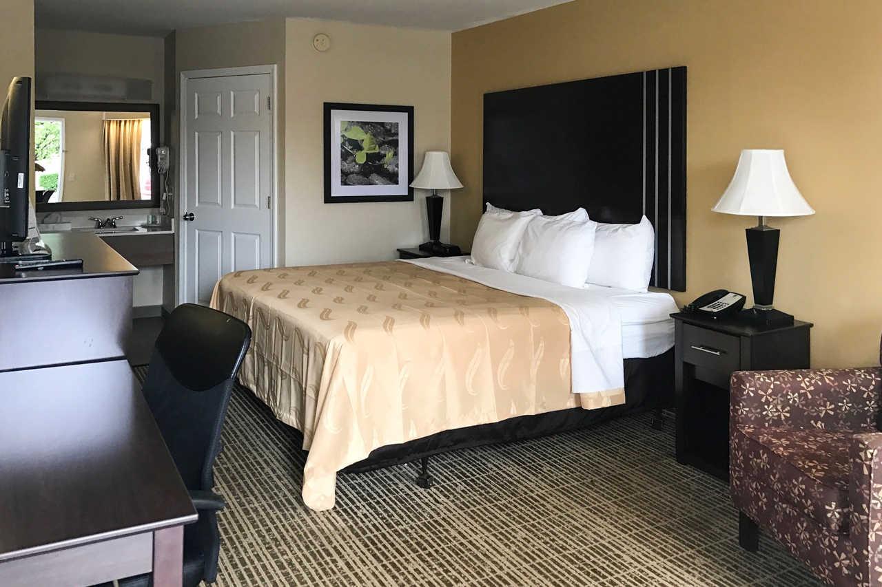 Quality Inn Seneca - Single Bed-1