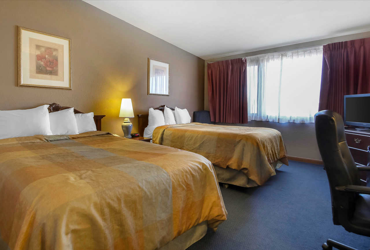 Quality Inn & Suites Beaver Dam - Double Beds