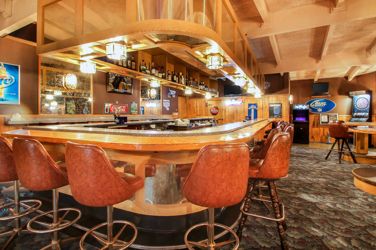 Quality Inn & Suites Beaver Dam - Hotel Bar