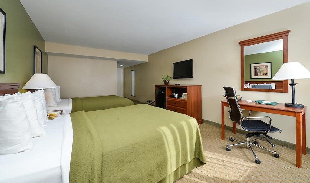 Quality Inn Ybor City - Double Beds-4