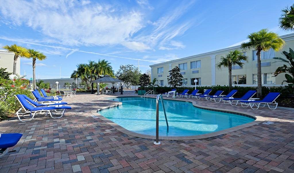 Quality Inn Ybor City Pool 1