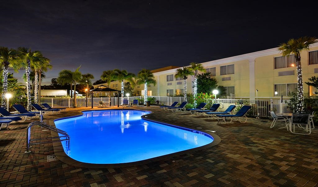 Quality Inn Ybor City - Pool-4
