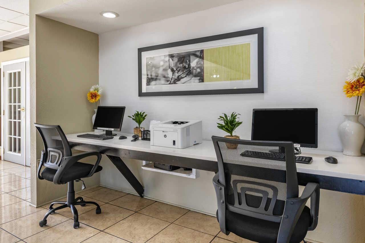 Quality Inn Zephyrhills - Business Centre