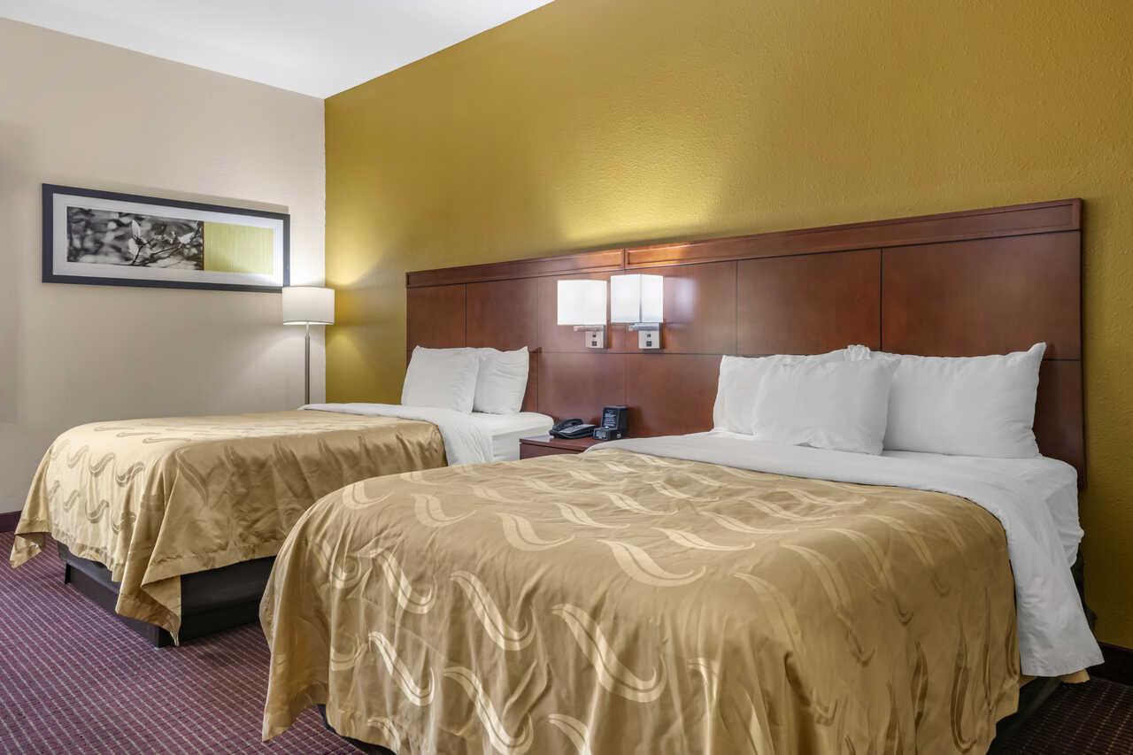Quality Inn Zephyrhills - Double Beds Room-1