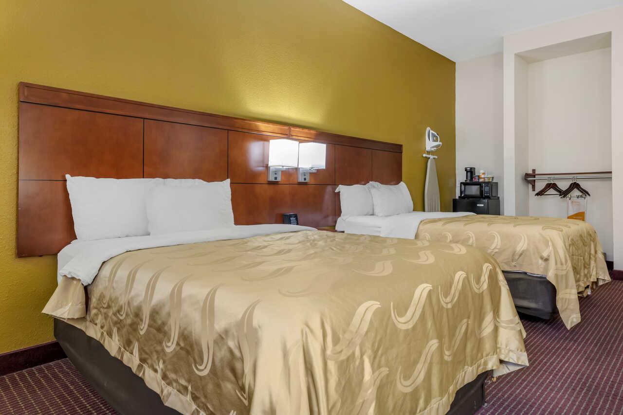 Quality Inn Zephyrhills - Double Beds Room-2