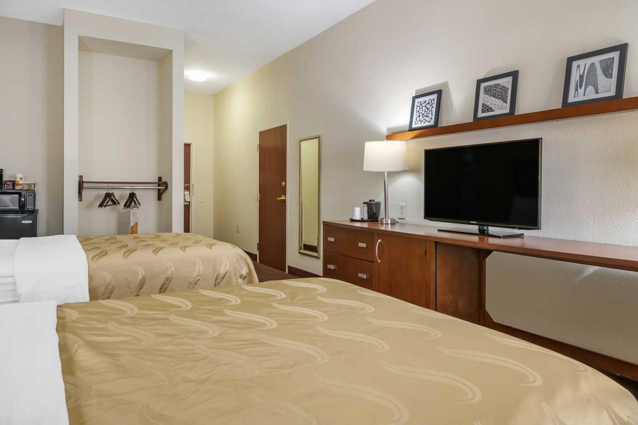 Quality Inn Zephyrhills - Double Beds Room-3