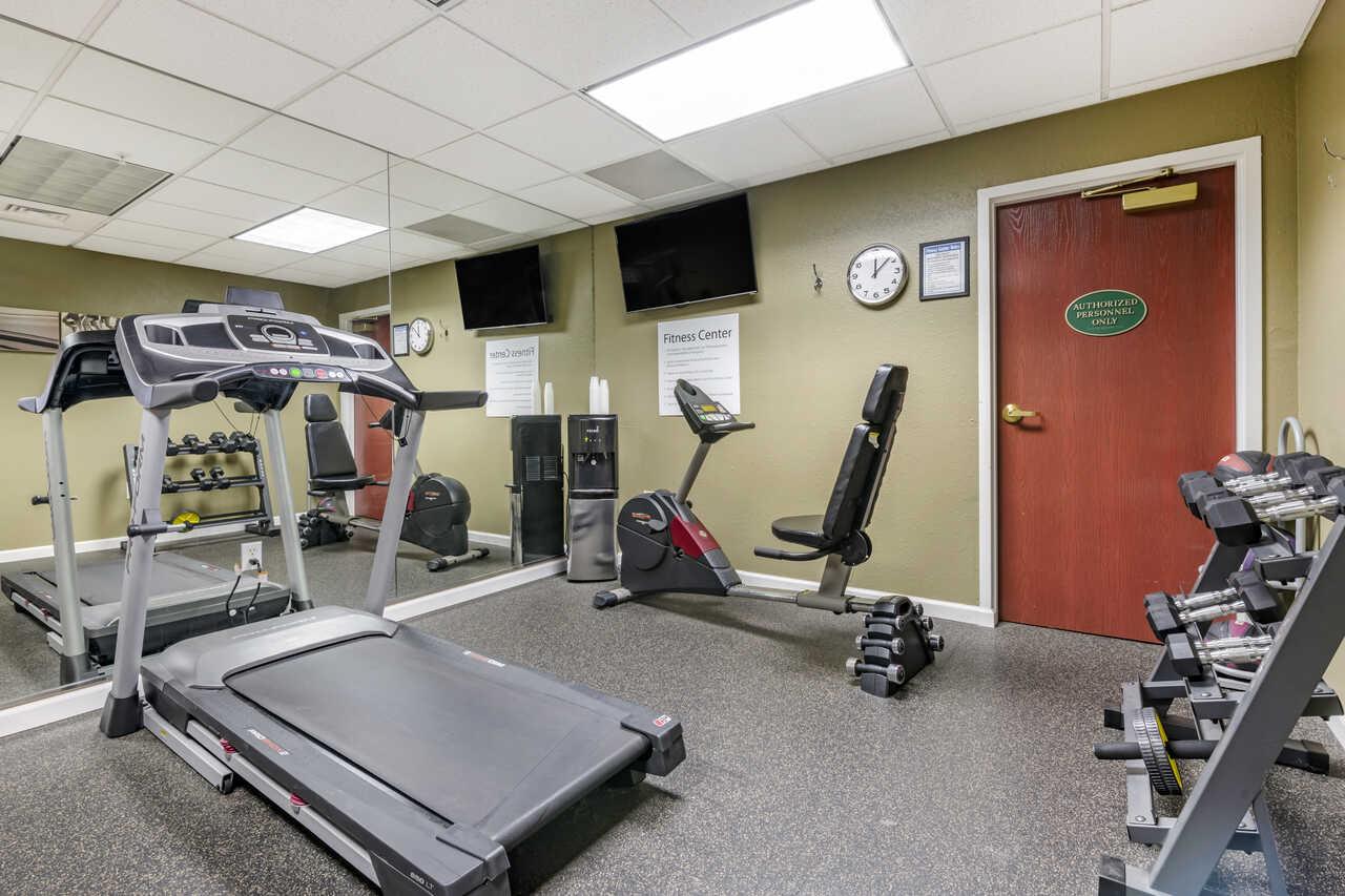 Quality Inn Zephyrhills - Fitness Area