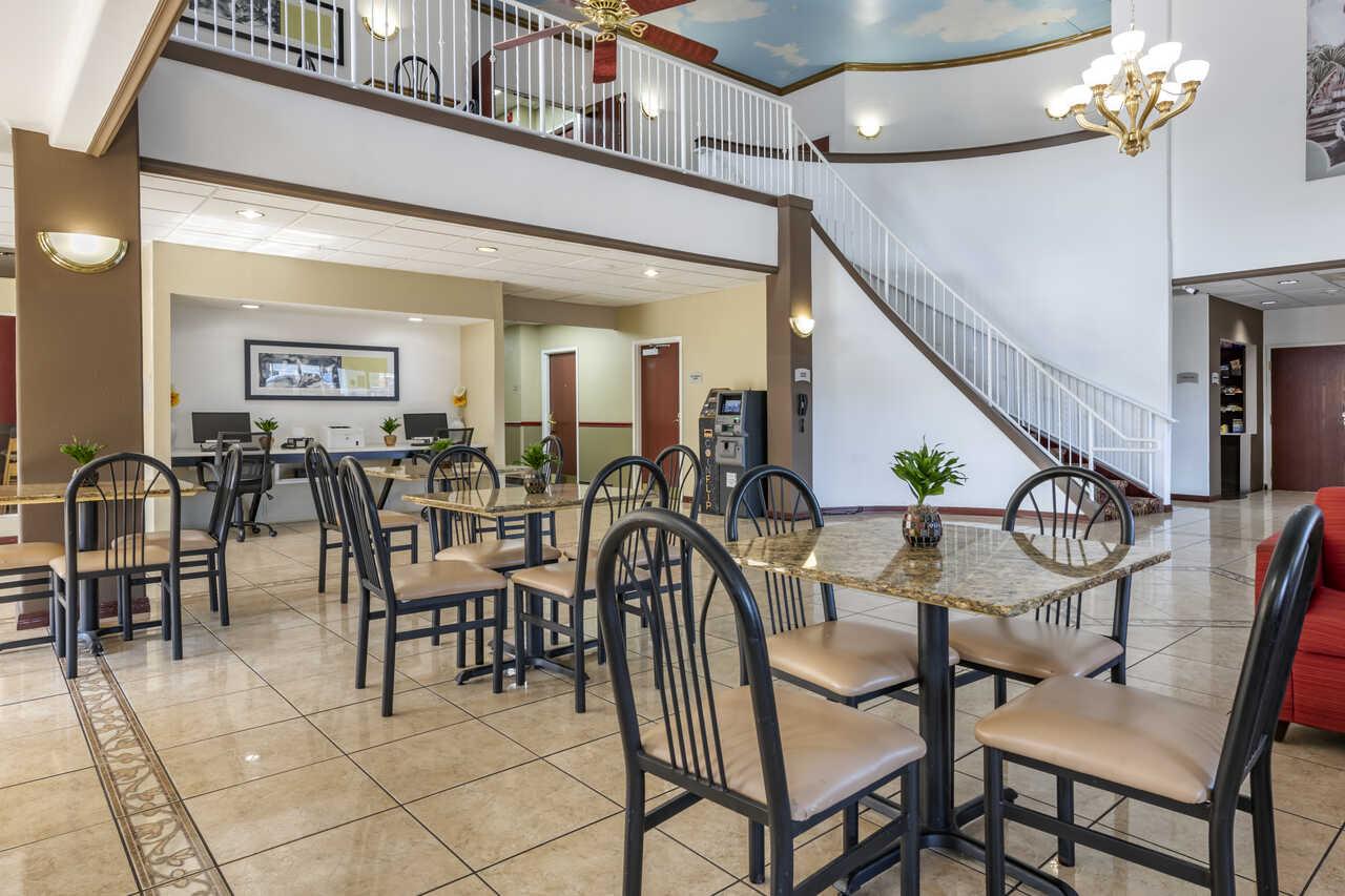 Quality Inn Zephyrhills - Lobby Area-3