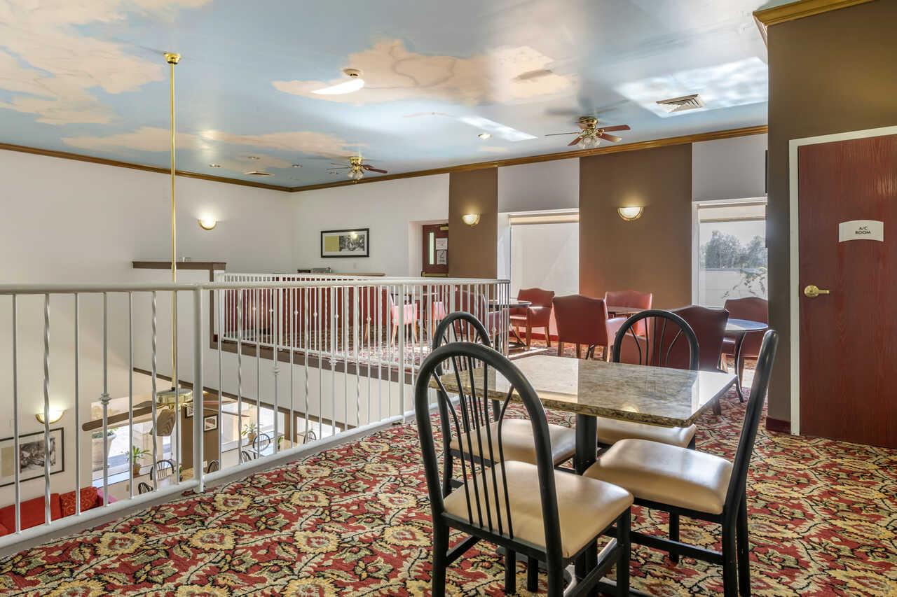 Quality Inn Zephyrhills - Lounge