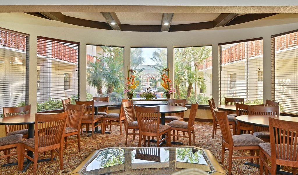 Quality Inn & Suites Brandon Tampa - Dining Area