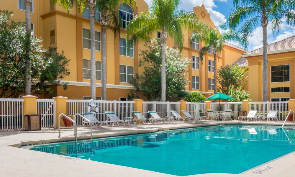Quality Suites Lake Buena Vista - Pool-1