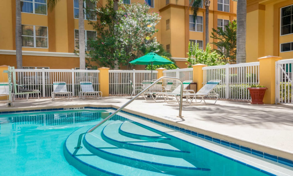 Quality Suites Lake Buena Vista - Pool-3