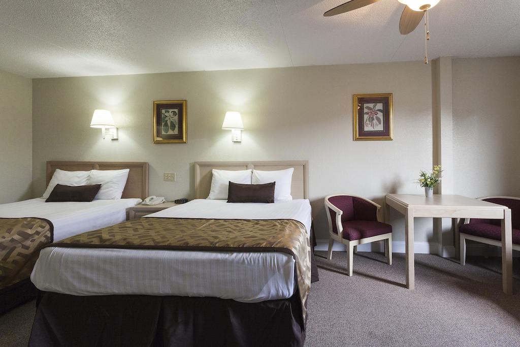 Reagan Resorts Inn - Double Beds-6
