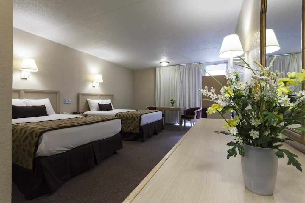 Reagan Resorts Inn - Double Beds-5