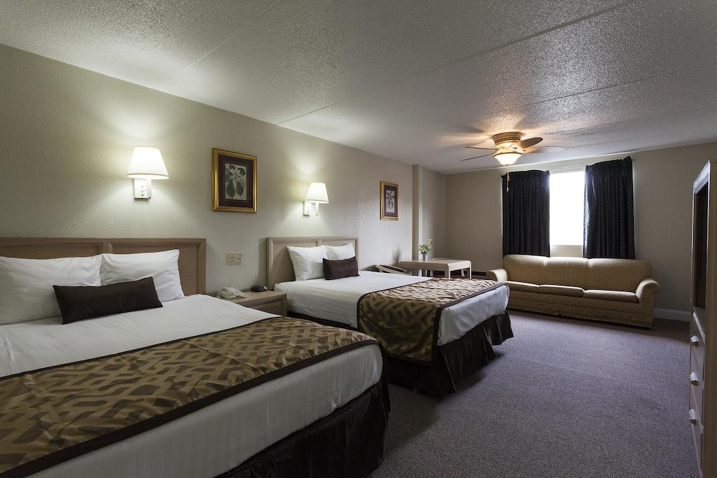 Reagan Resorts Inn - Double Beds-3