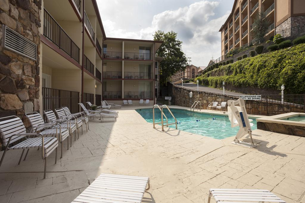 Reagan Resorts Inn - Pool-3