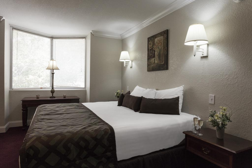 Reagan Resorts Inn - Single Bed-4