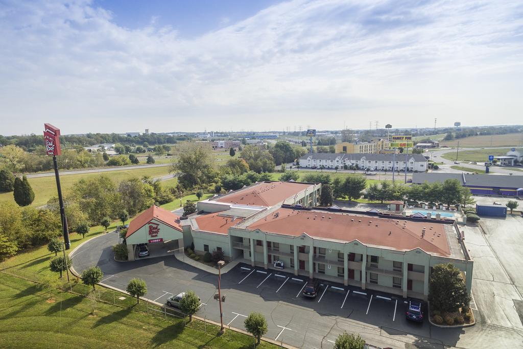 Red Roof Inn Clarksville - Aerial View