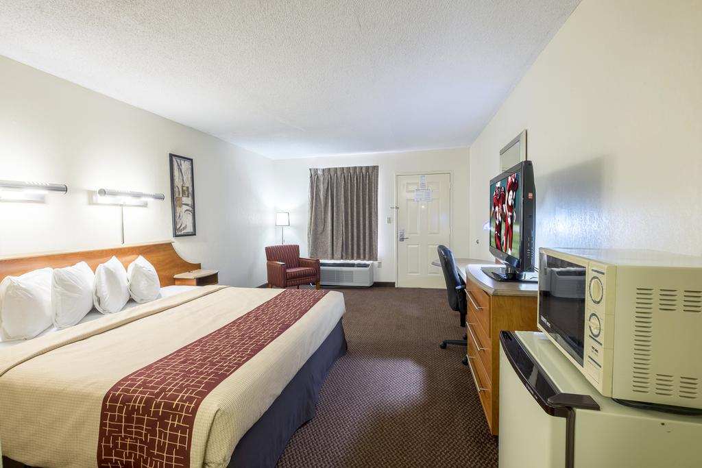 Red Roof Inn Clarksville - Single Beds-1