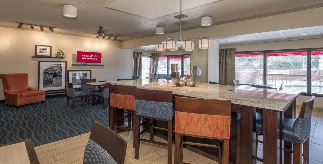 Red Roof Inn Tupelo - Dining Area-2