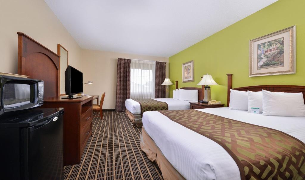 Regency-Inn-Geneseo-Guest-Double-Beds-Room1